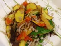 はだか麦とさつま芋の秋色サラダ