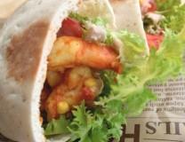 つぶつぶピタパンの海老サンド